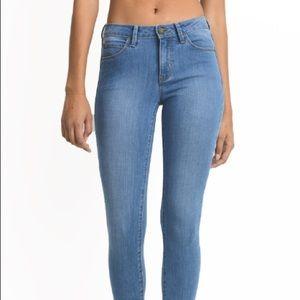 Mid Basic Skinny Jeans
